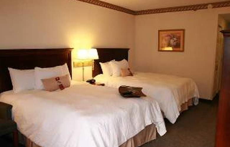 Hampton Inn Morganton - Room - 2