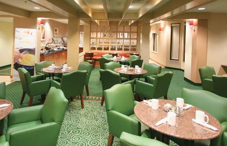 Courtyard Charlotte Matthews - Restaurant - 27