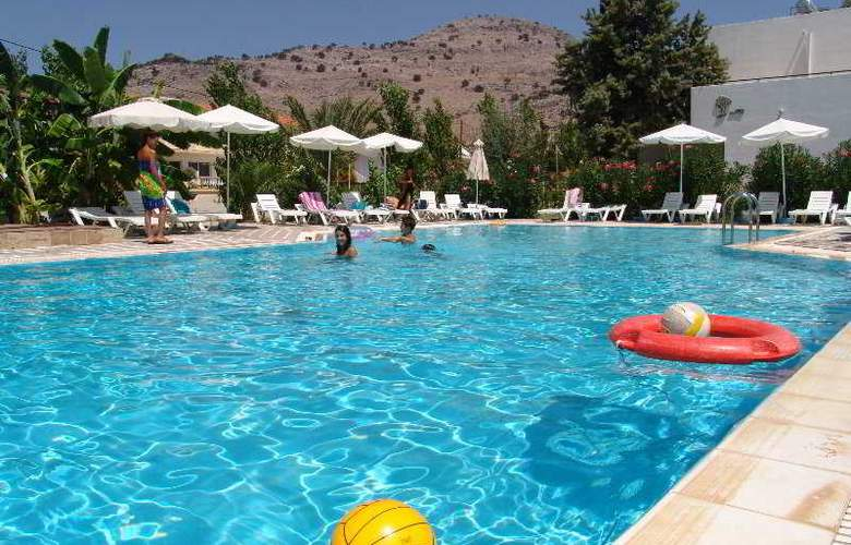 Belmare - Pool - 3
