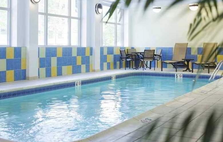 Hilton Providence - Pool - 7