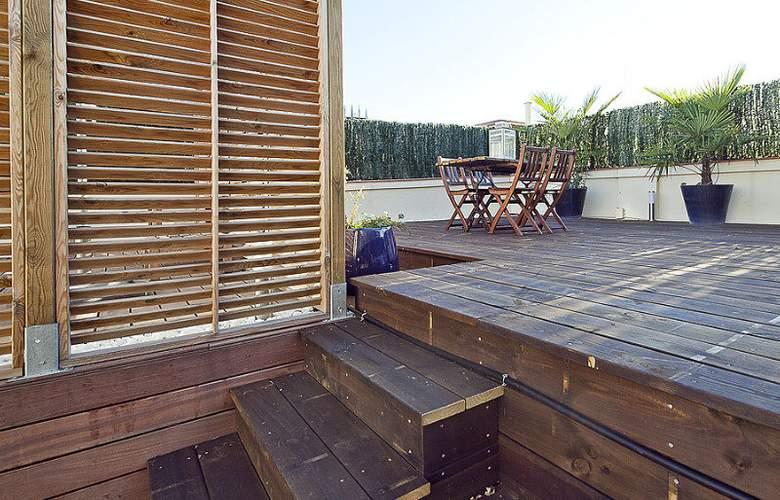 Aspasios Urquinaona Design - Terrace - 1
