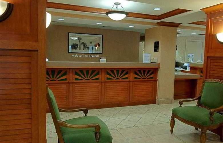 Best Western Plus Kendall Hotel & Suites - Hotel - 16