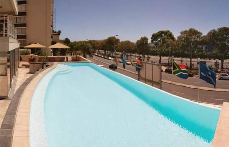 Protea Cape Castle - Pool - 22