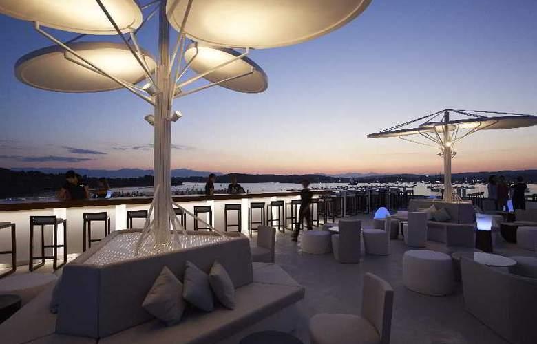 Nikki Beach Resort & Spa - Terrace - 1