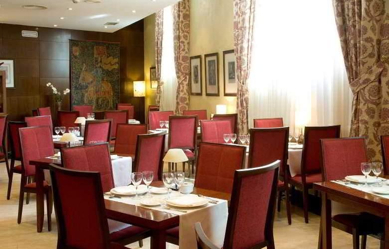 NH Collection Salamanca Palacio de Castellanos - Restaurant - 11