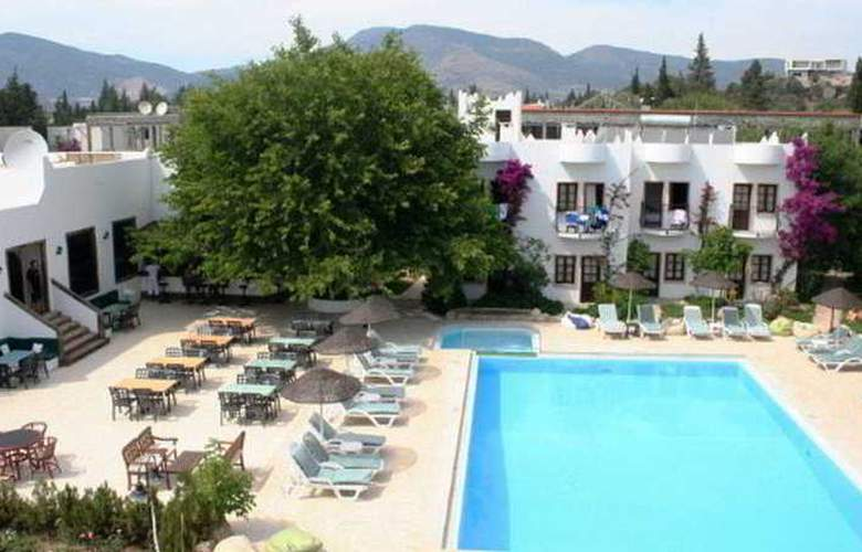 Safir Hotel  - Pool - 7