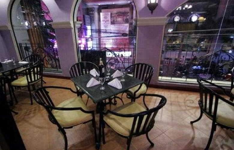 The Royal Bellagio - Restaurant - 1