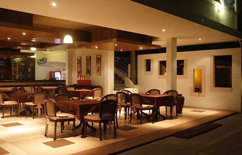 Legong Keraton Beach - Restaurant - 6