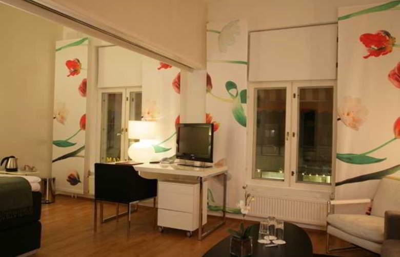 CF Hotel - Room - 3