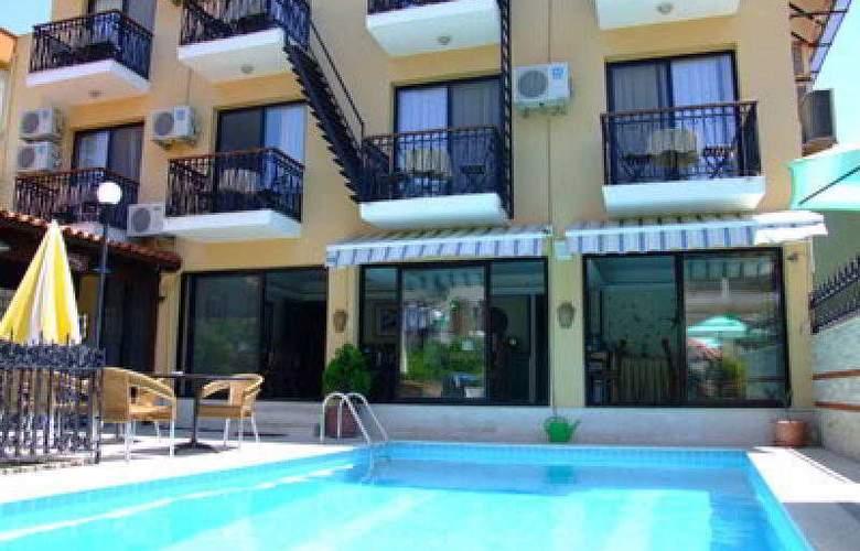 Kalyon Otel Foca - Pool - 0