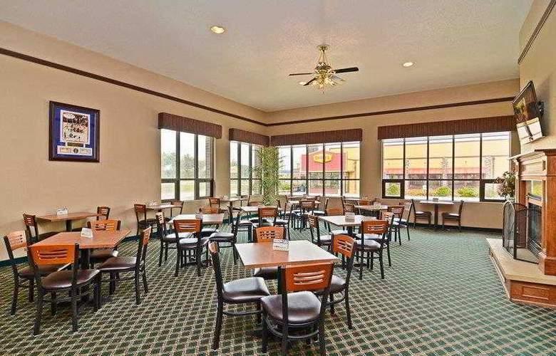 Best Western Ambassador Inn & Suites - Hotel - 5