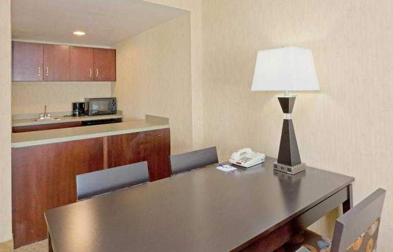 Holiday Inn Express & Suites Orlando - International Drive - Room - 23
