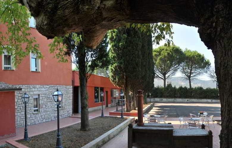 Domo Spa & Resort - Terrace - 8
