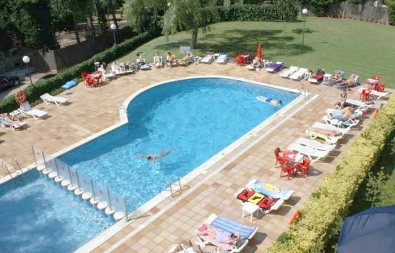Apartamentos Las Mariposas - Pool - 3