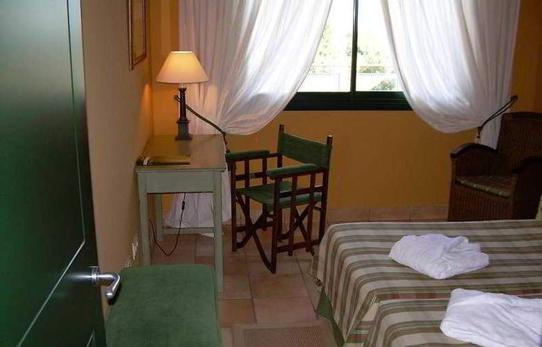 Suites Vila Birdie - TorreMirona - Room - 4