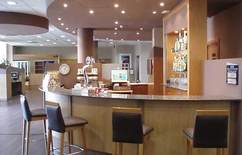 B&B Valencia-Ciudad de las Ciencias - Bar - 3