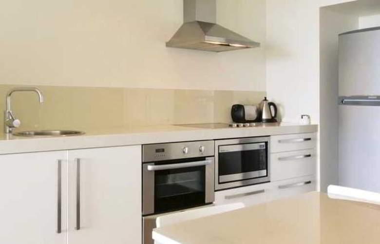 Oaks Lure Apartments - Room - 2