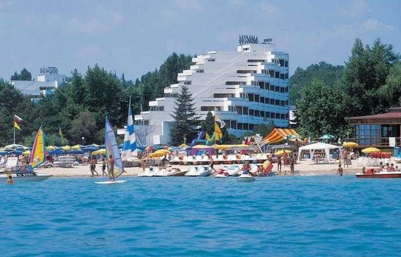 Dorostor - Hotel - 0