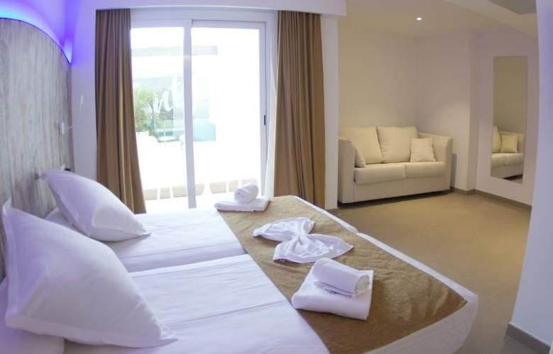 Triton Beach by Crea Hoteles (Sólo Adultos) - Room - 11