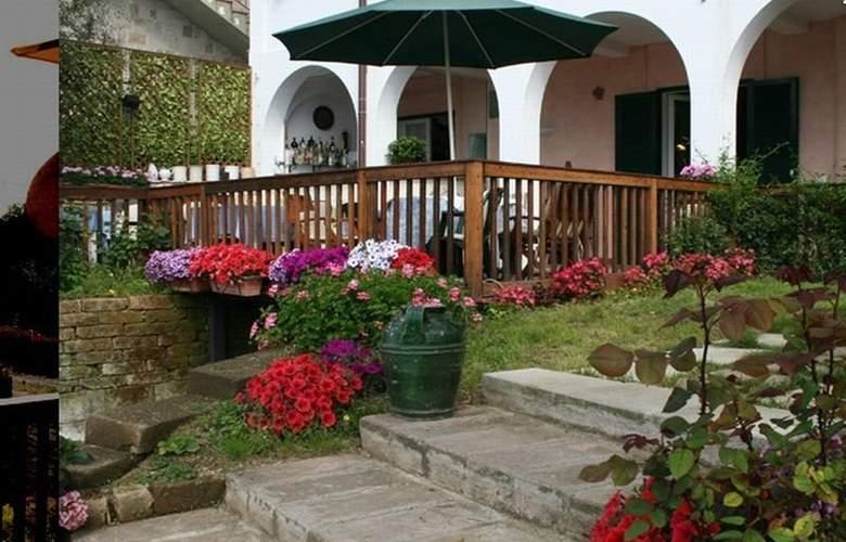 Villa Pane Resort - Terrace - 11