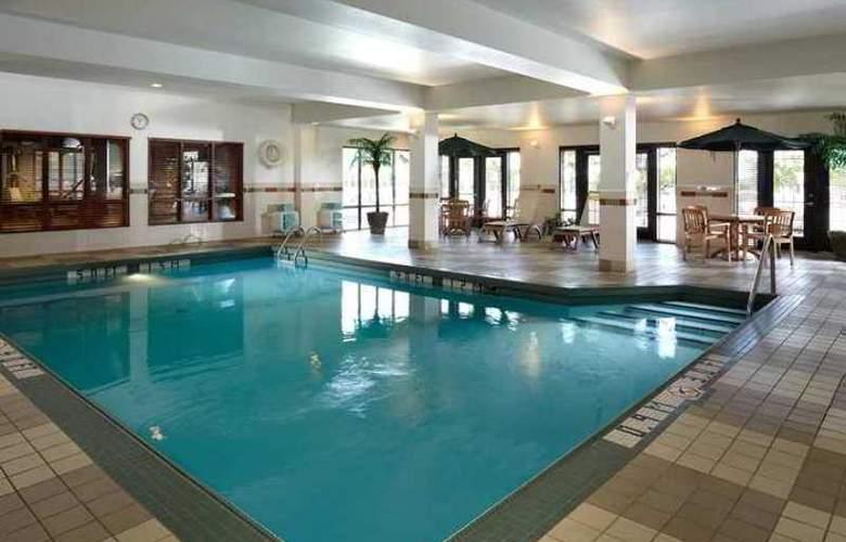 Hampton Inn & Suites Montreal - Hotel - 9