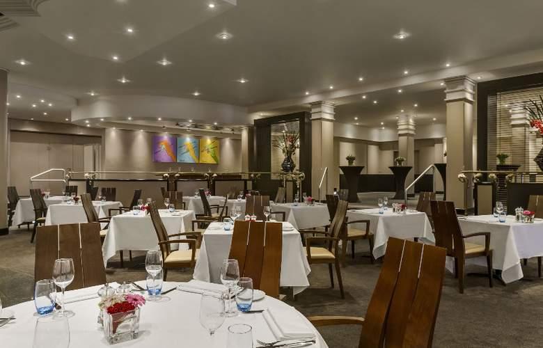 Hilton Amsterdam Airport Schiphol - Restaurant - 7