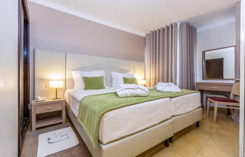 Santa Eulália Hotel Apartamento & Spa - Room - 5
