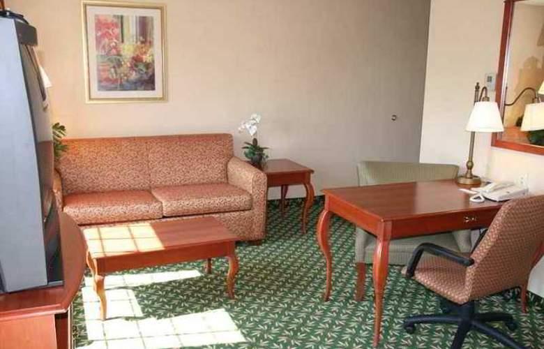 Hampton Inn & Suites Greenfield - Hotel - 4