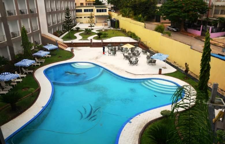 Luna Hotel Executivo - Pool - 3