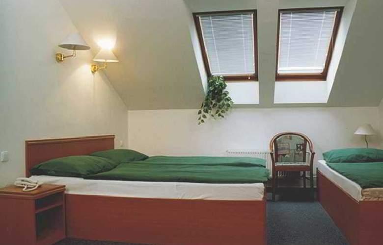 Amadeus Aparthotel - Room - 6