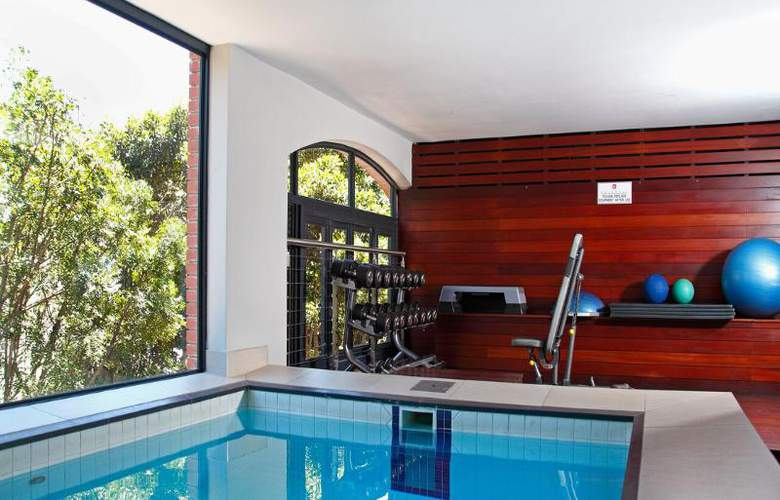 The Rockwell All Suite Hotel - Pool - 12