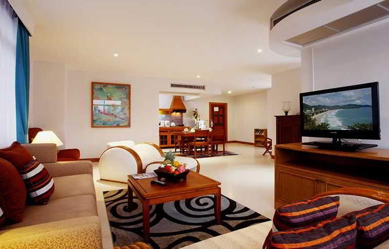 Waterfront Suites Phuket by Centara - Room - 11