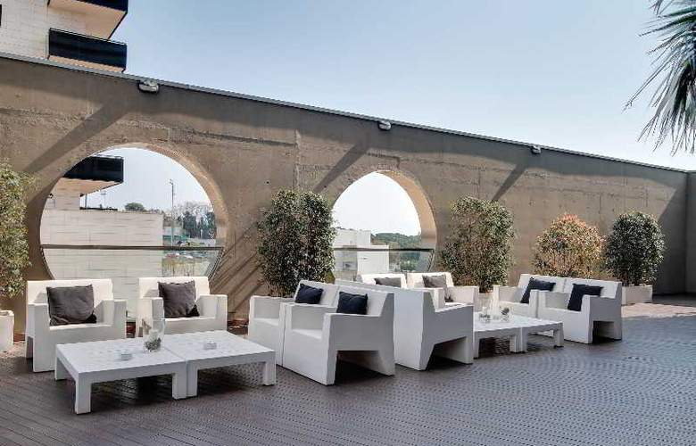 Rafael Hoteles Badalona - Terrace - 47