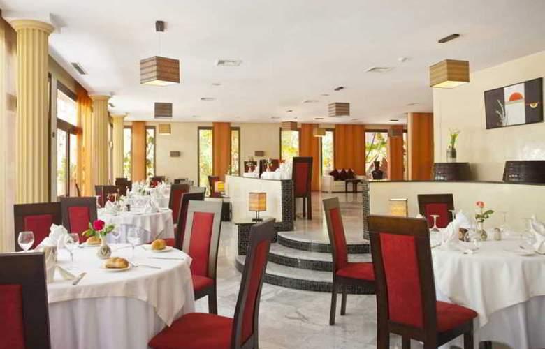 Kenzi Rose Garden - Restaurant - 19