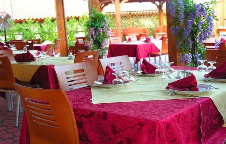 Resort Sa Rocca - Hotel - 2