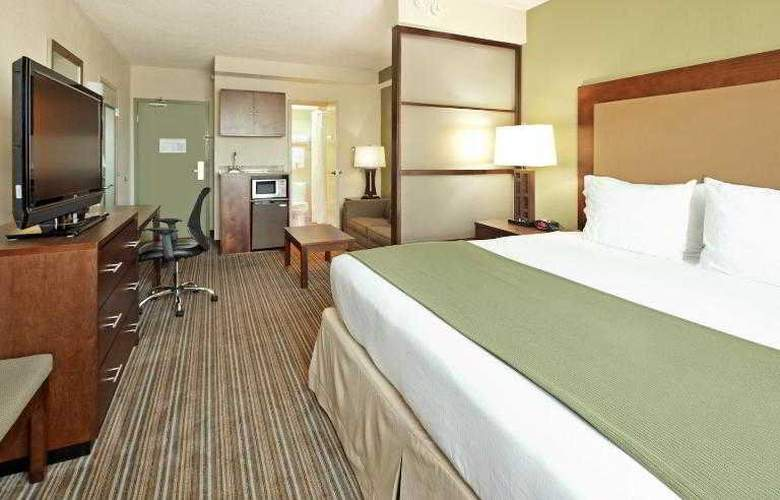 Holiday Inn Express & Suites Downtown Fort Worth - Room - 17