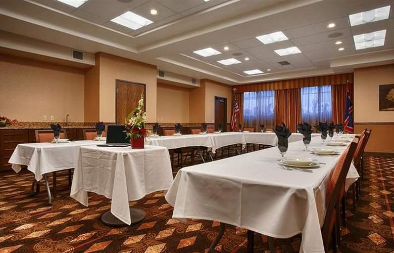 Best Western Ivy Inn & Suites - Hotel - 19