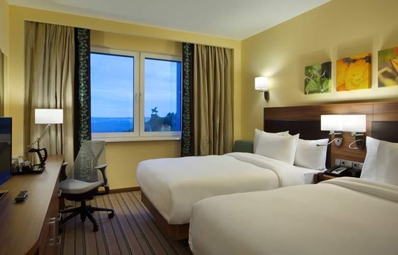 Hilton Garden Inn Ufa Riverside - Room - 6