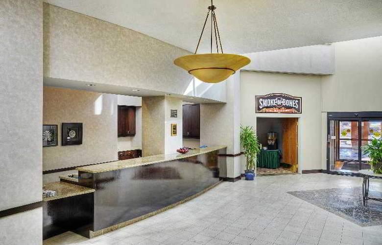 London Hotel & Suites - General - 1