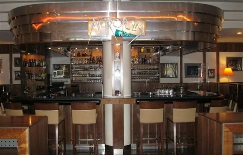 Hilton Munich City - Bar - 4