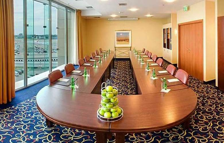 Courtyard By Marriott Warsaw Airport - Conference - 24