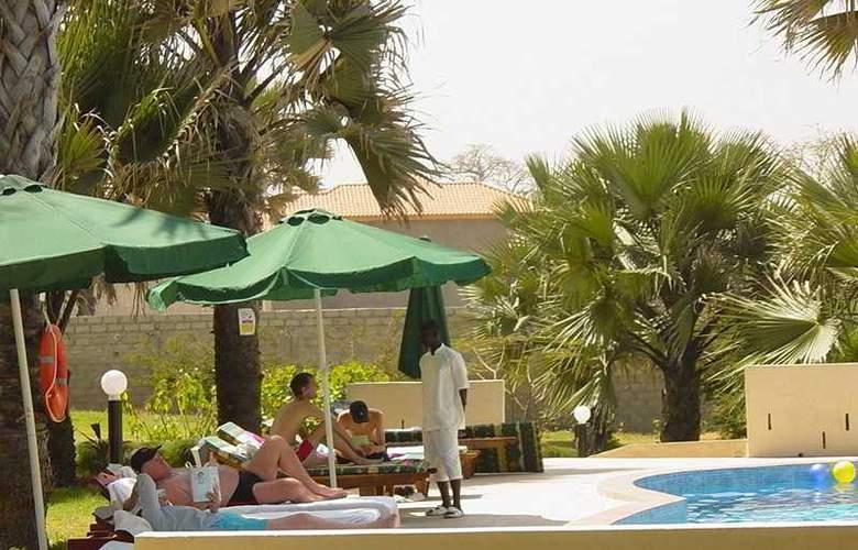 Golden Beach - Pool - 5