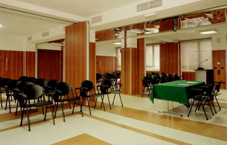 Residence Corvetto Porto di Mare - Conference - 0