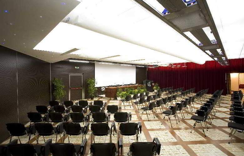 Calabona - Conference - 12