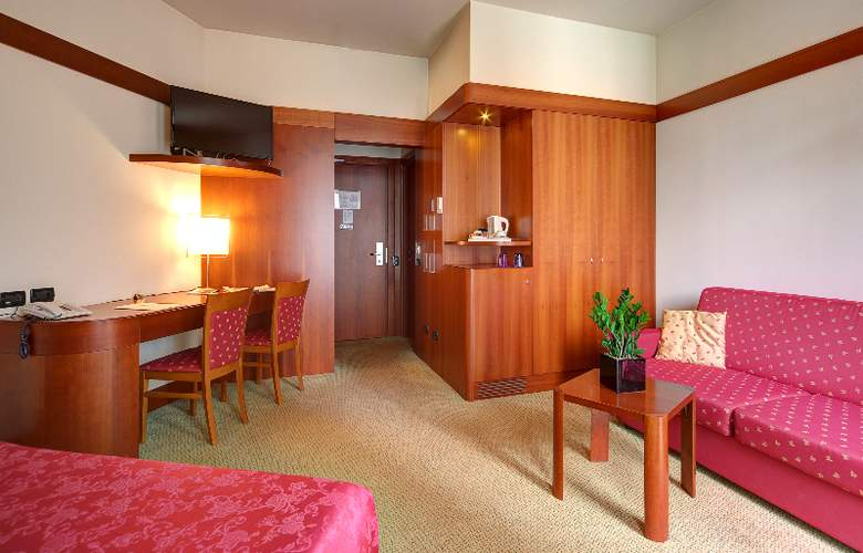 Hotel RE - Room - 4