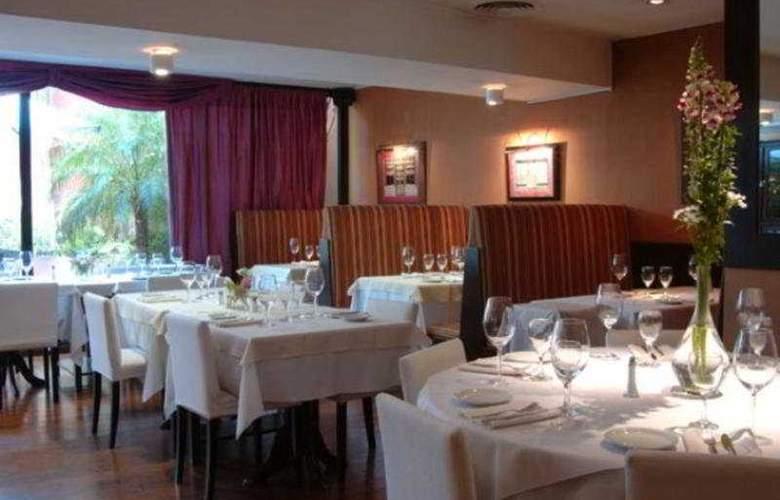 Loi Suites Arenales - Restaurant - 12