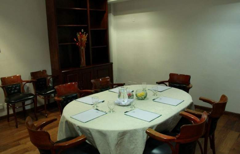 Mayflower Suites - Conference - 7