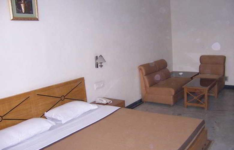 The Komfort Inn - Room - 4