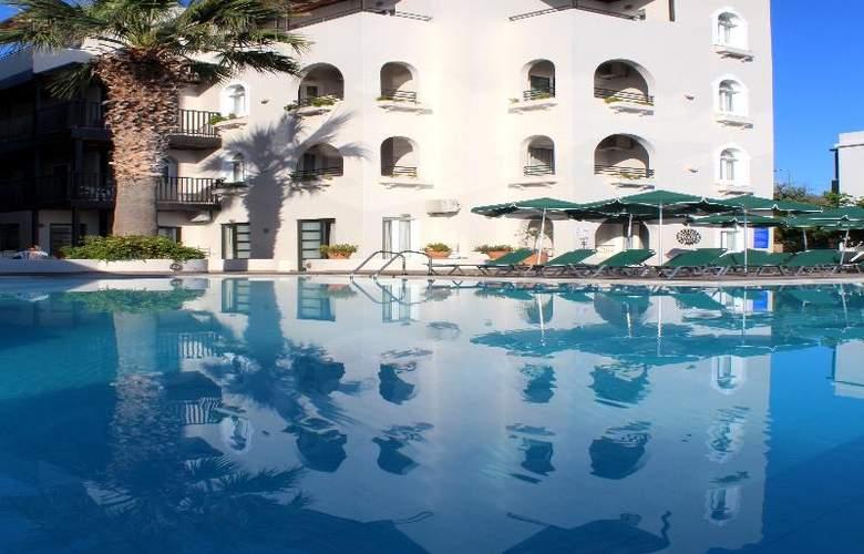Arminda - Pool - 13