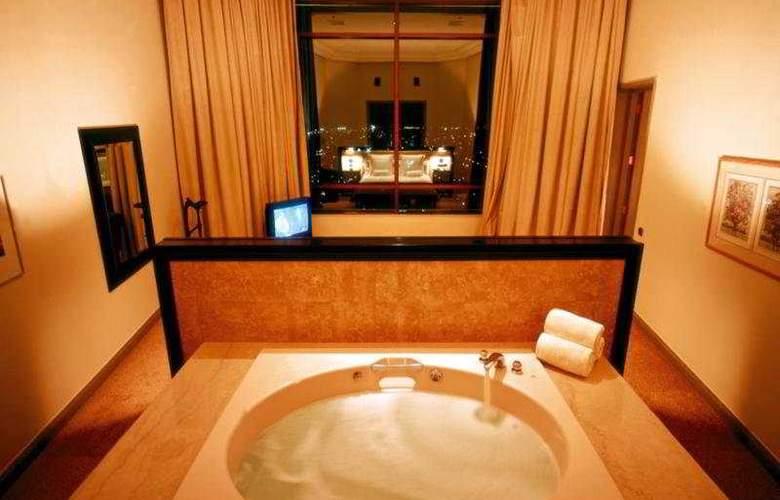 Santiago - Room - 3